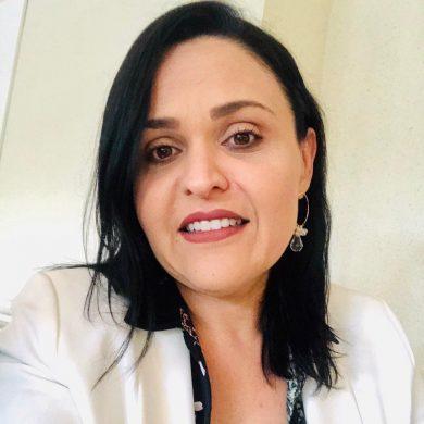 Ester Parreira Profissional de Marketing Político